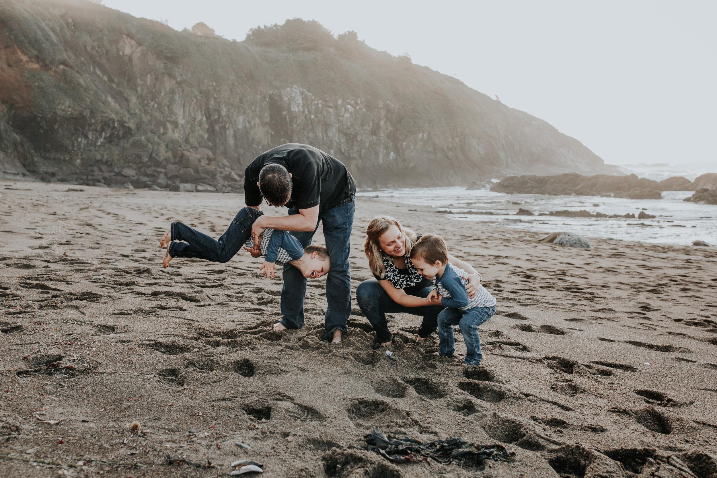 Oregon Coast Family Photographer (93).jpg
