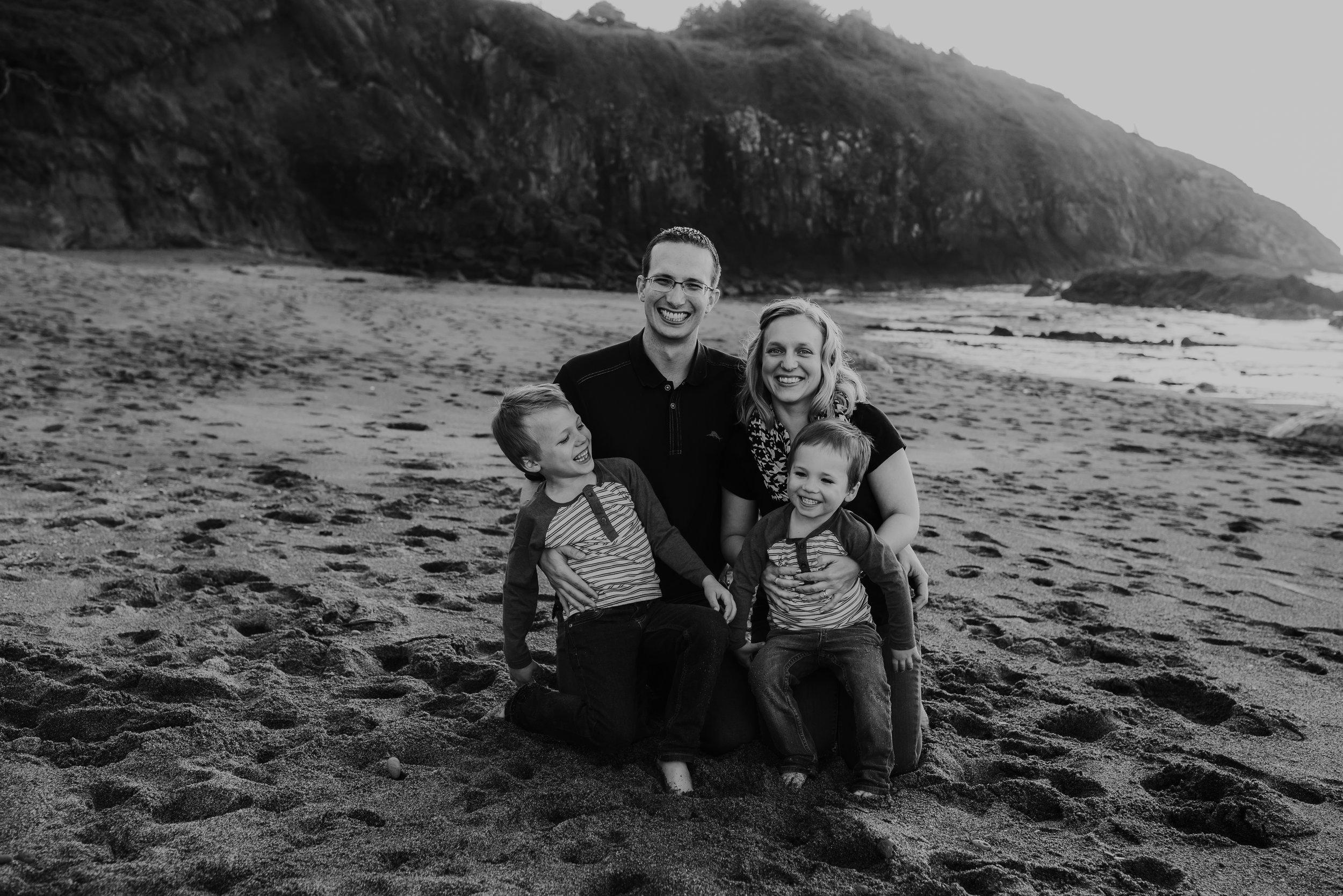 Oregon Coast Family Photographer (176).jpg