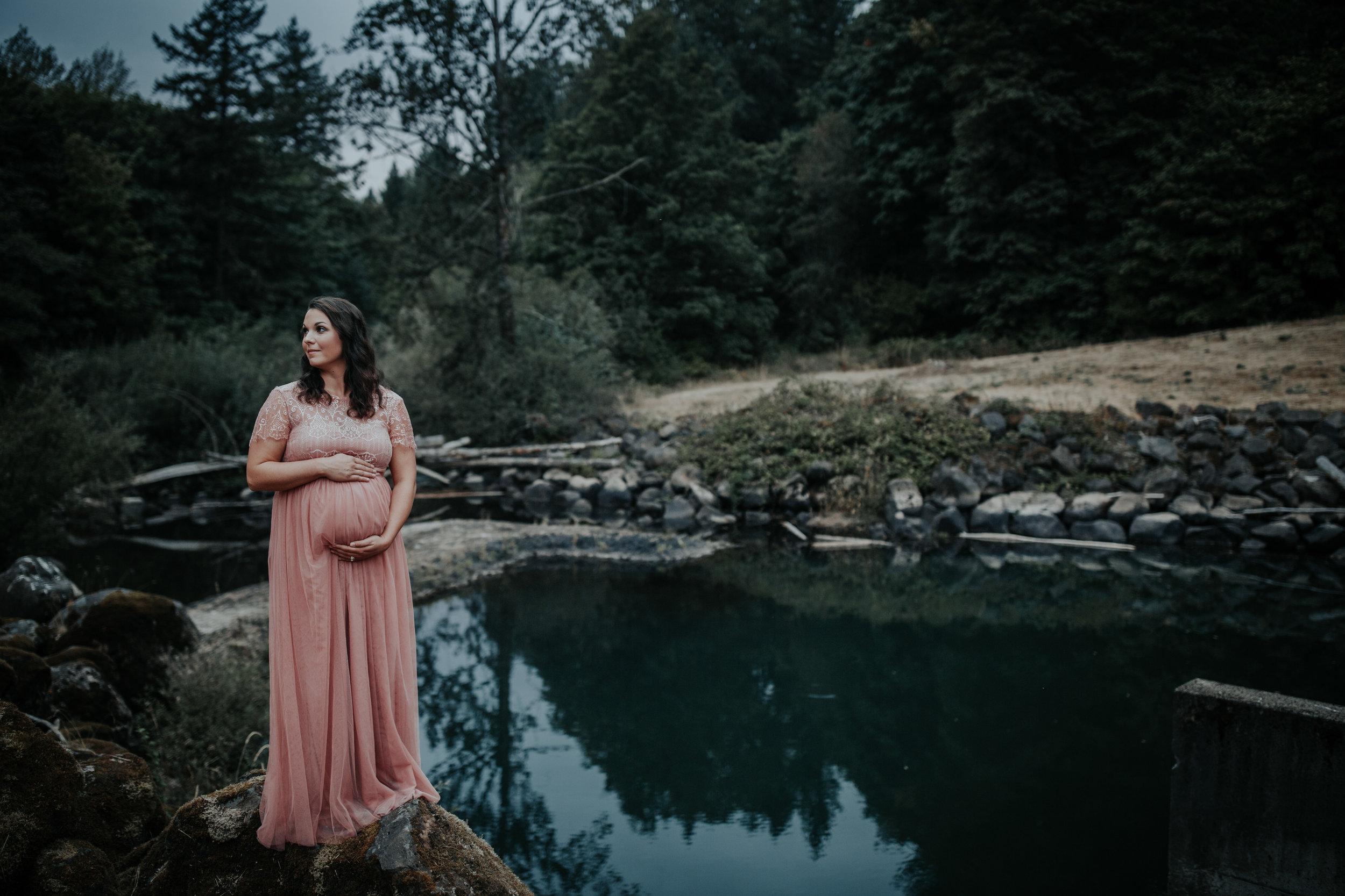 Oregon Coast Maternity Photographer (208).jpg