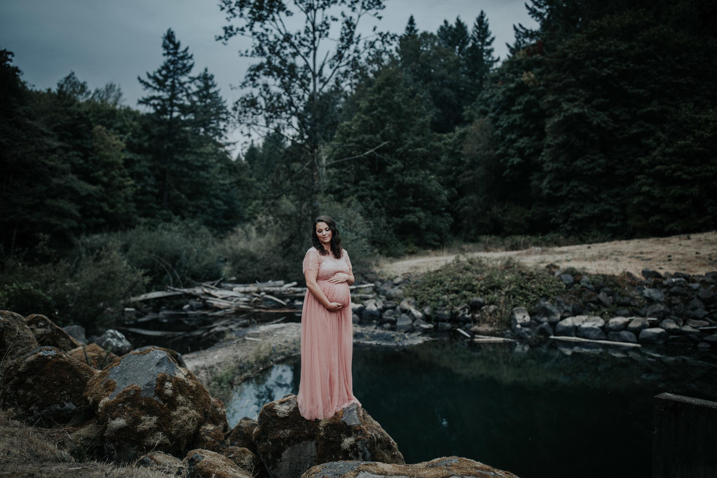 Oregon Coast Maternity Photographer (212).jpg