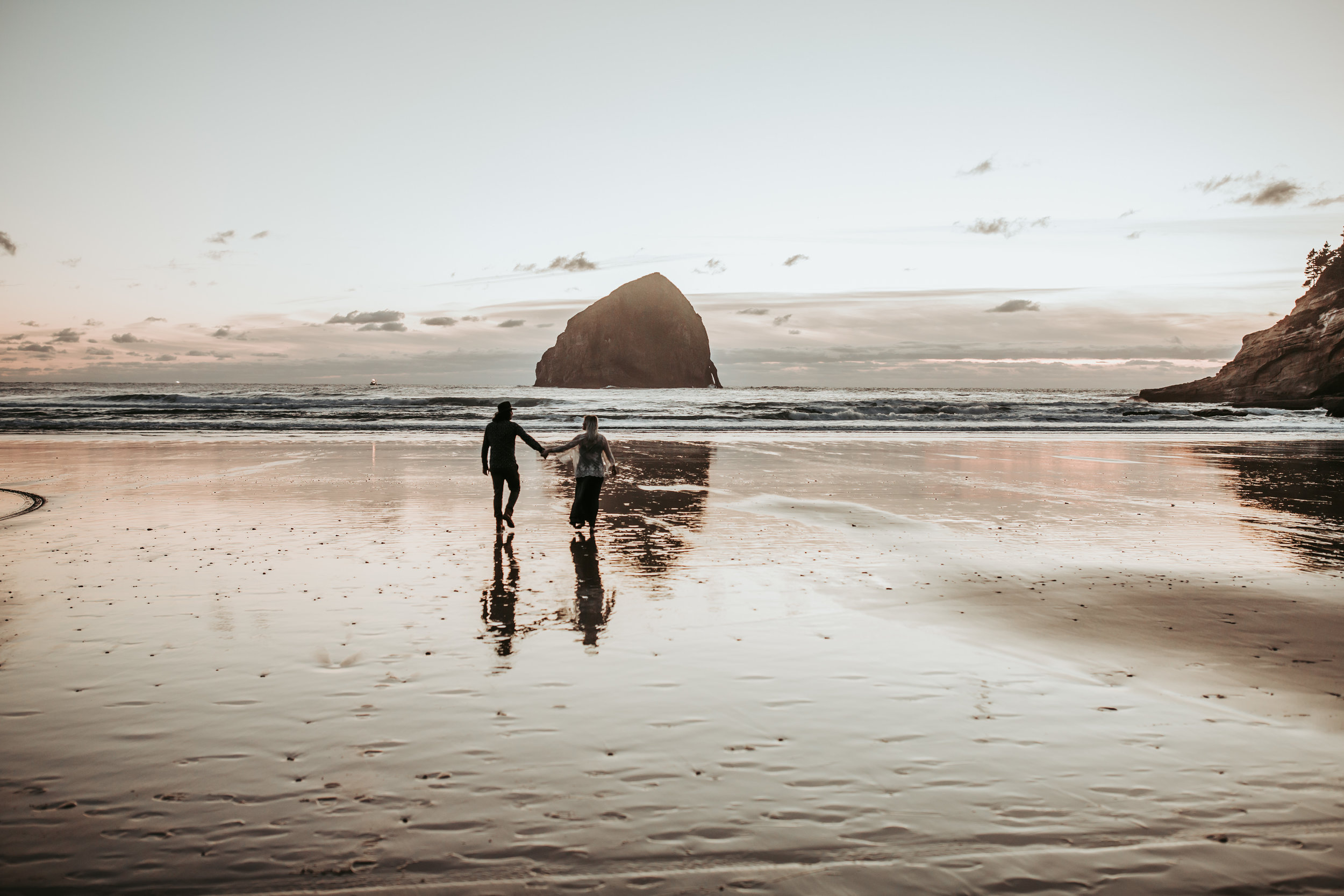 Oregon Coast Engagement Session (18).jpg