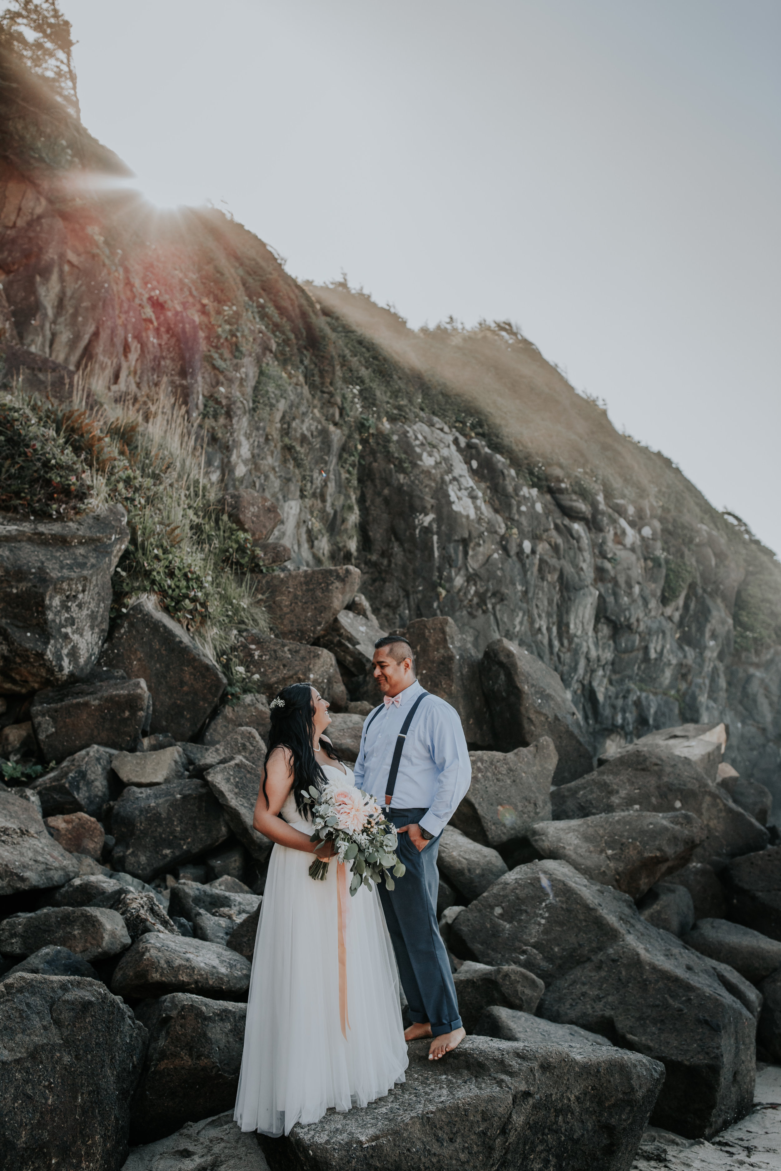 Oregon coast Wedding Photographer // Lincoln City, Oregon // Beach Wedding and Elopement