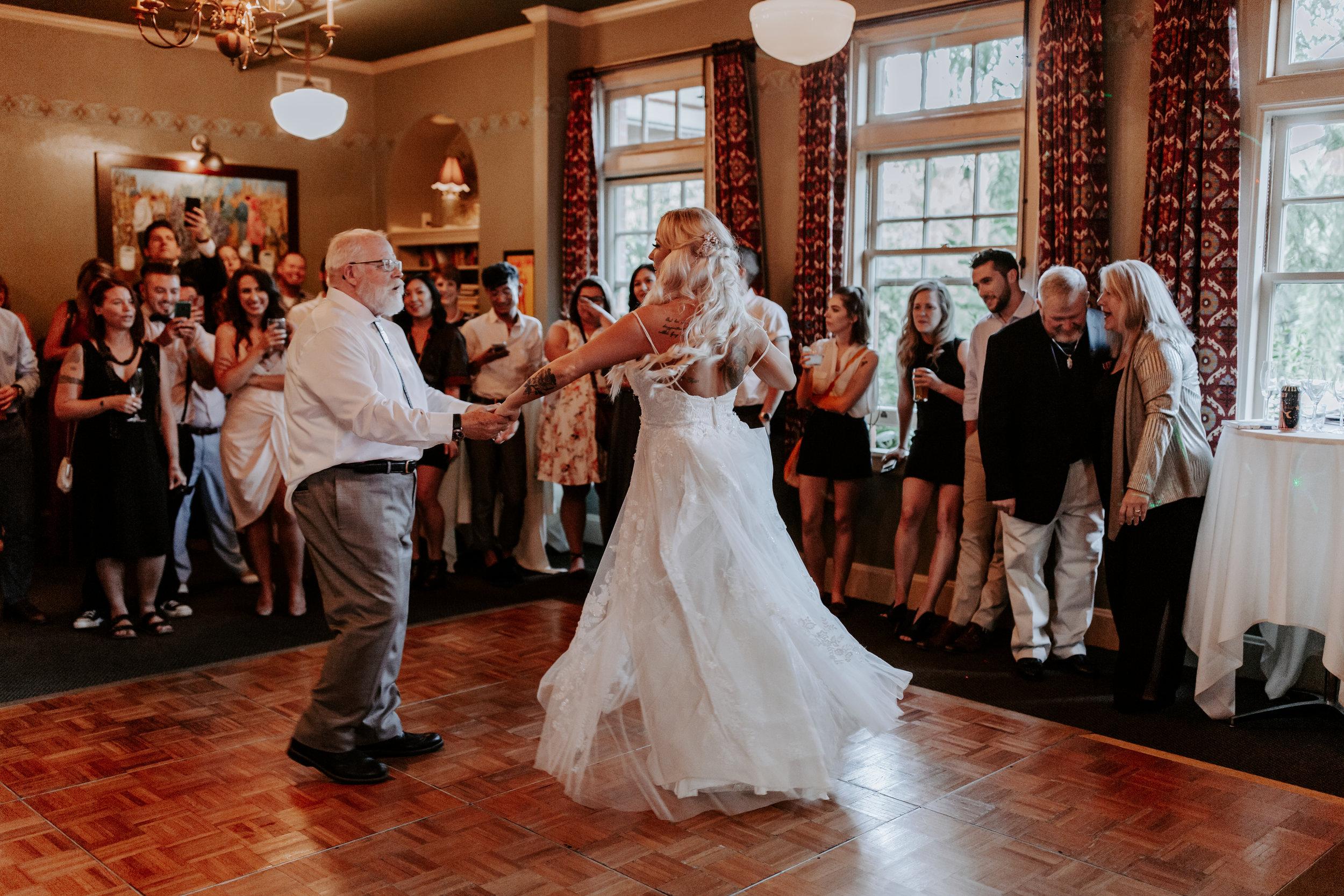 Rustic Bloom Photography |  McMenamins Grand Lodge | Oregon Wedding Venue