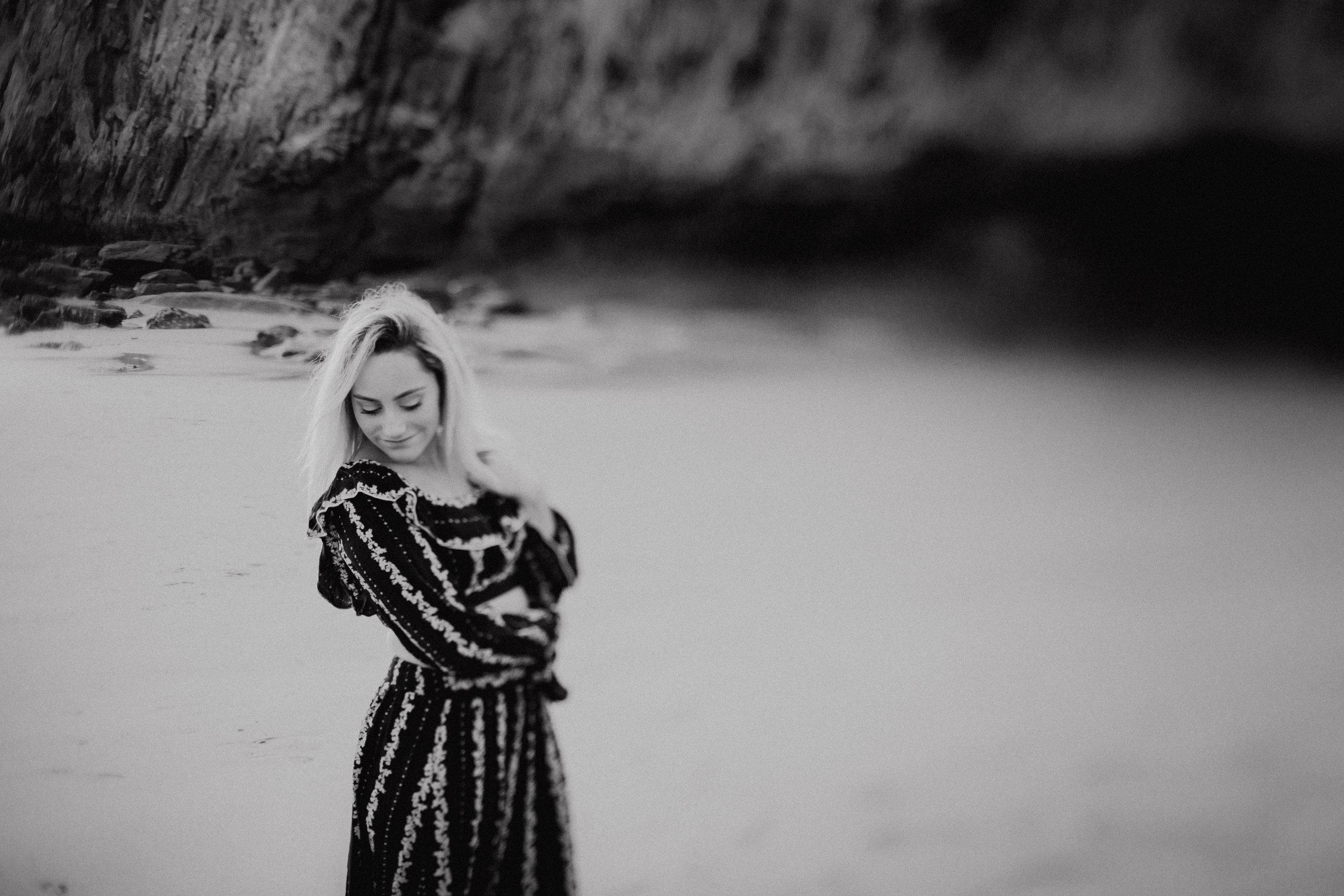 Rustic Bloom Photography | Oregon Coast Senior Photographer | Senior Style