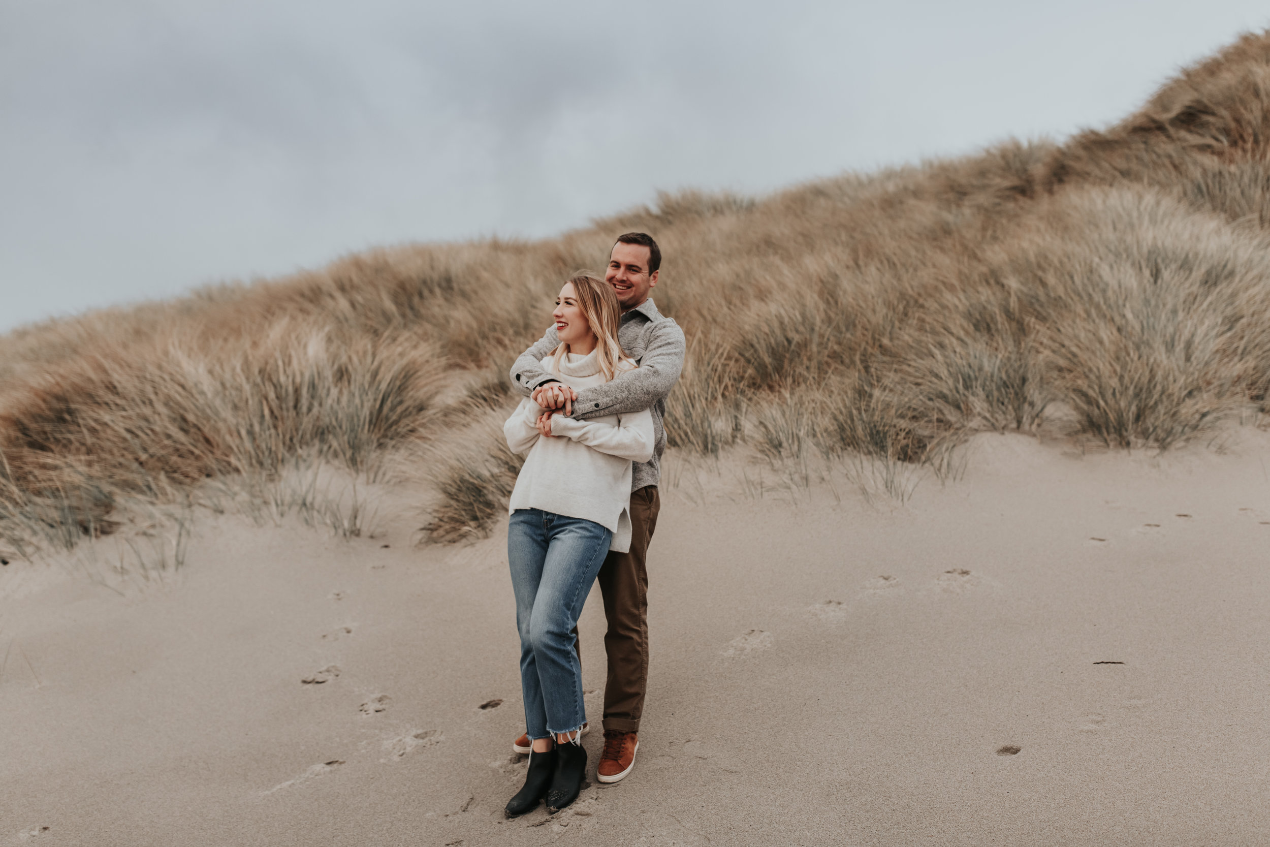 Rustic Bloom Photography | Oregon Wedding Photographer | Engagement session in the rain