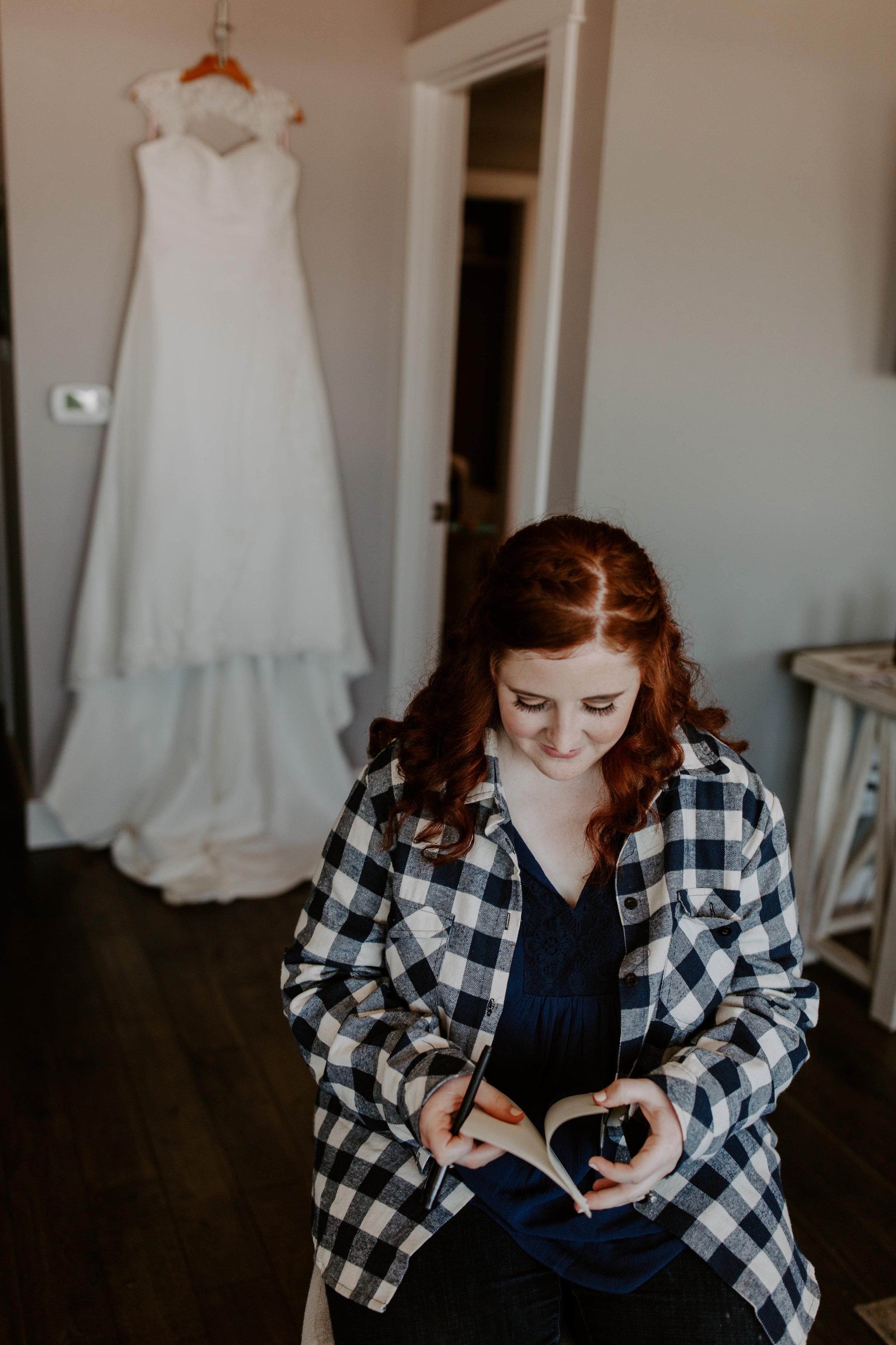Oregon Coast Wedding Photographer | Bridal Hair Inspiration | Rustic Bloom Photography