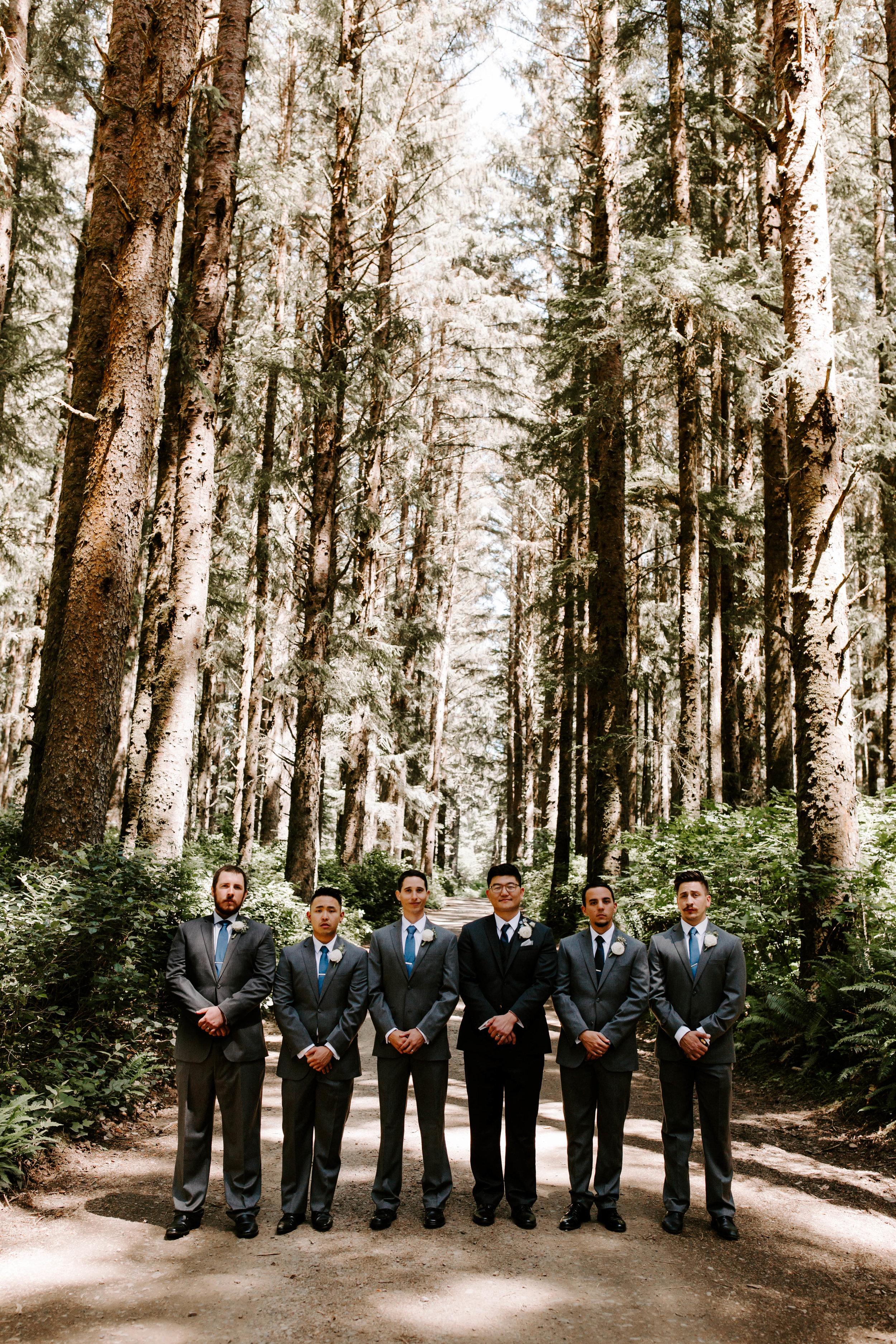 Oregon Wedding Photographer | Groomsmen Style | Rustic Bloom Photography