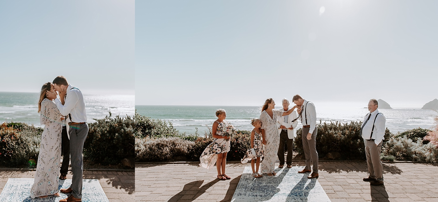 Oregon Coast Wedding Photograoher (25).jpg