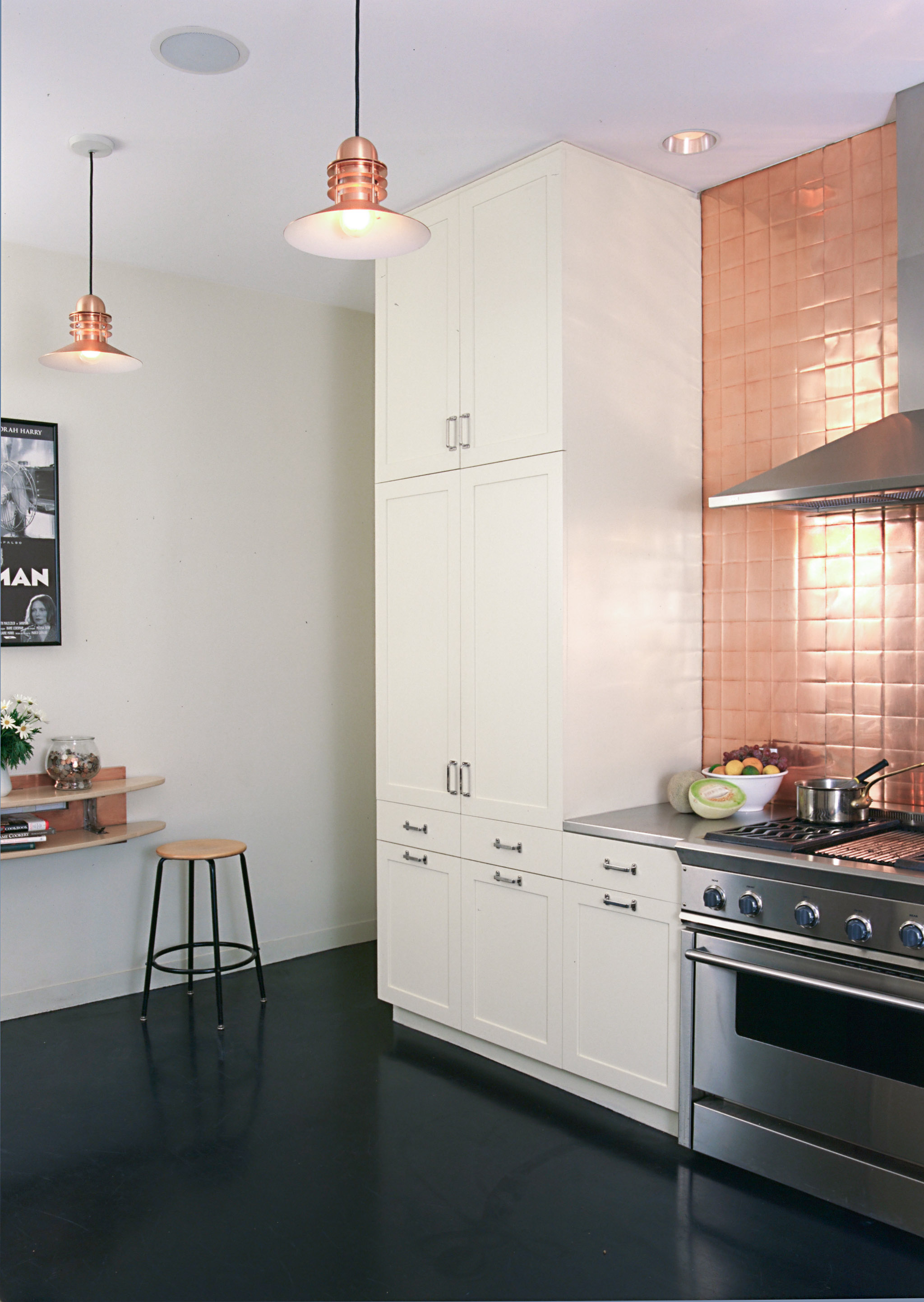M563 Kitchen - 4BC4CD46EB544F6F_cr.jpg
