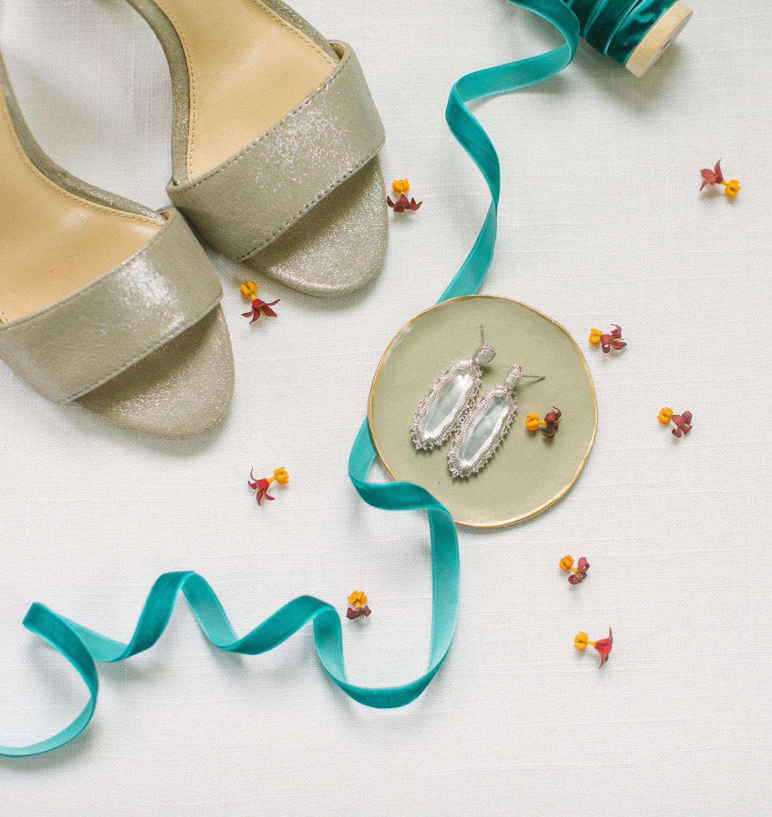 tan wedding shoes and kendra scott wedding earings