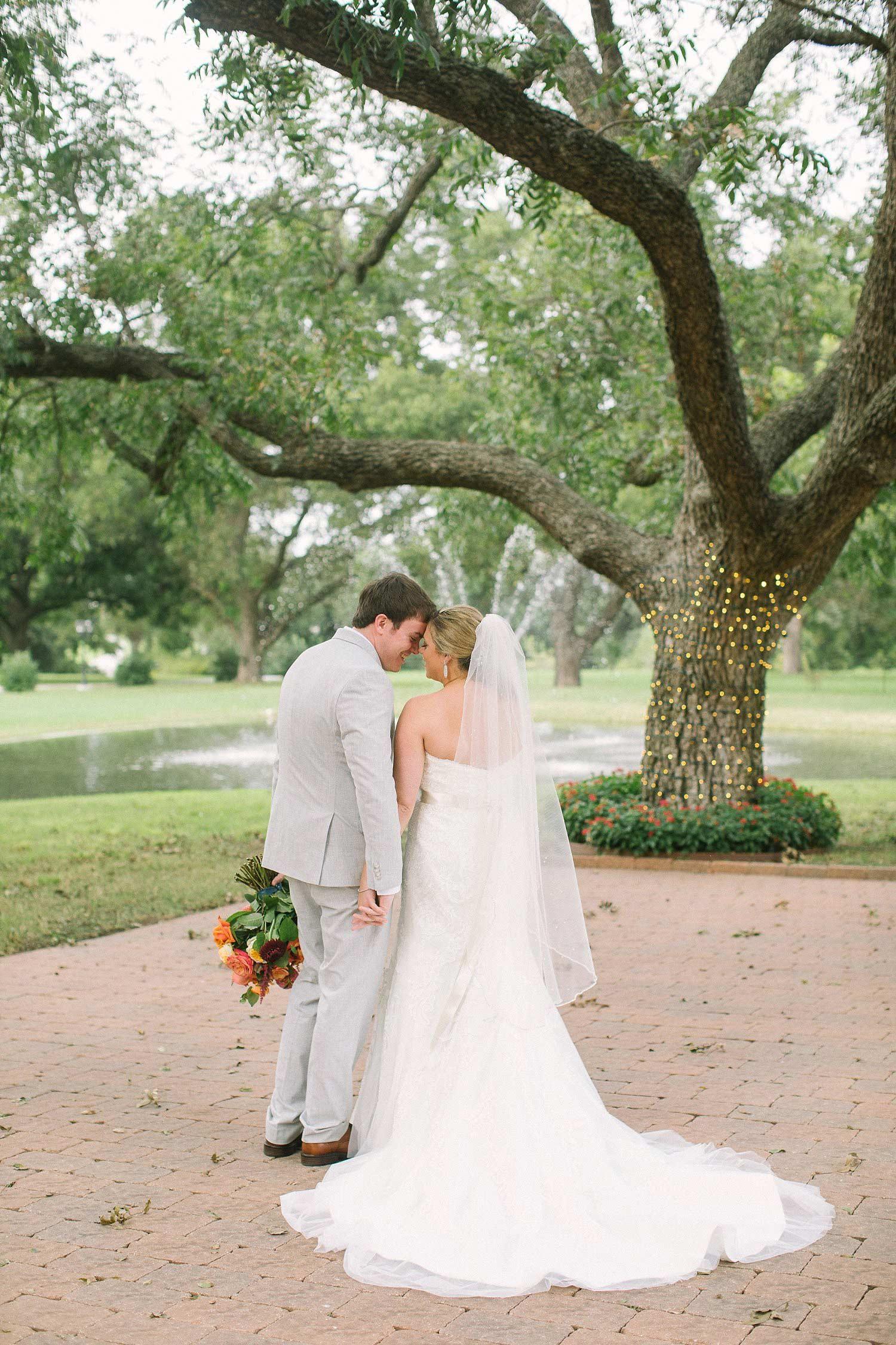 The-Orchard-Azle-TX-Fall-Wedding_16.jpg