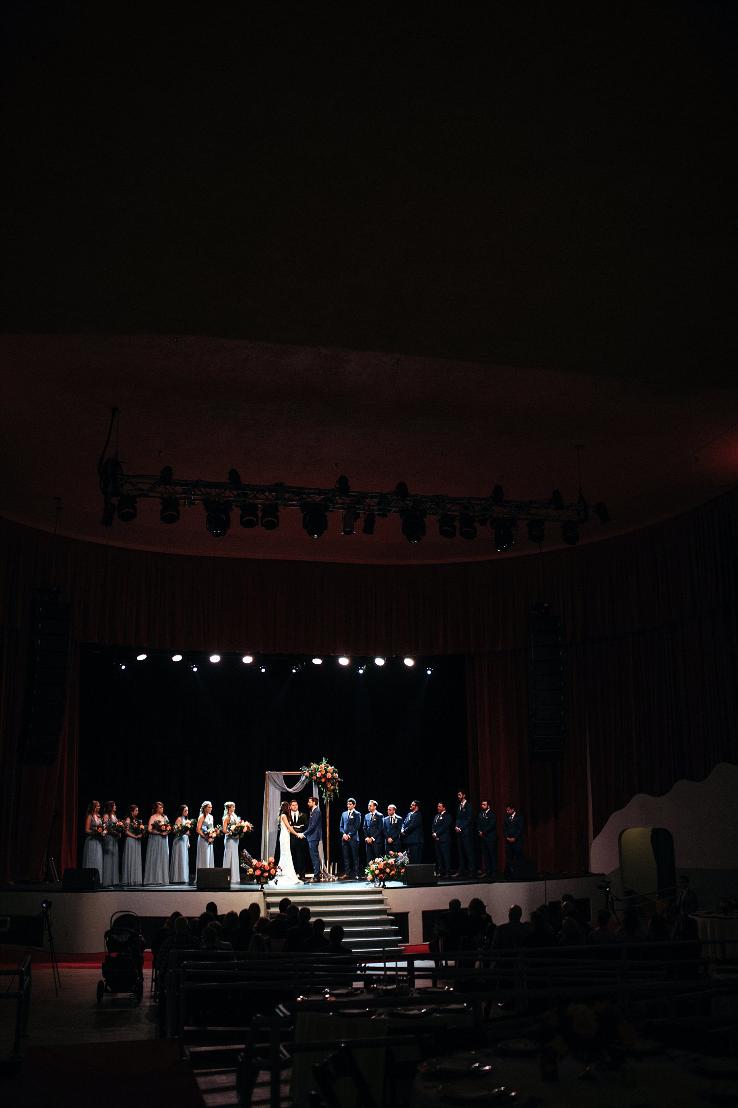 Ridglea_Theater_Wedding_15.jpg