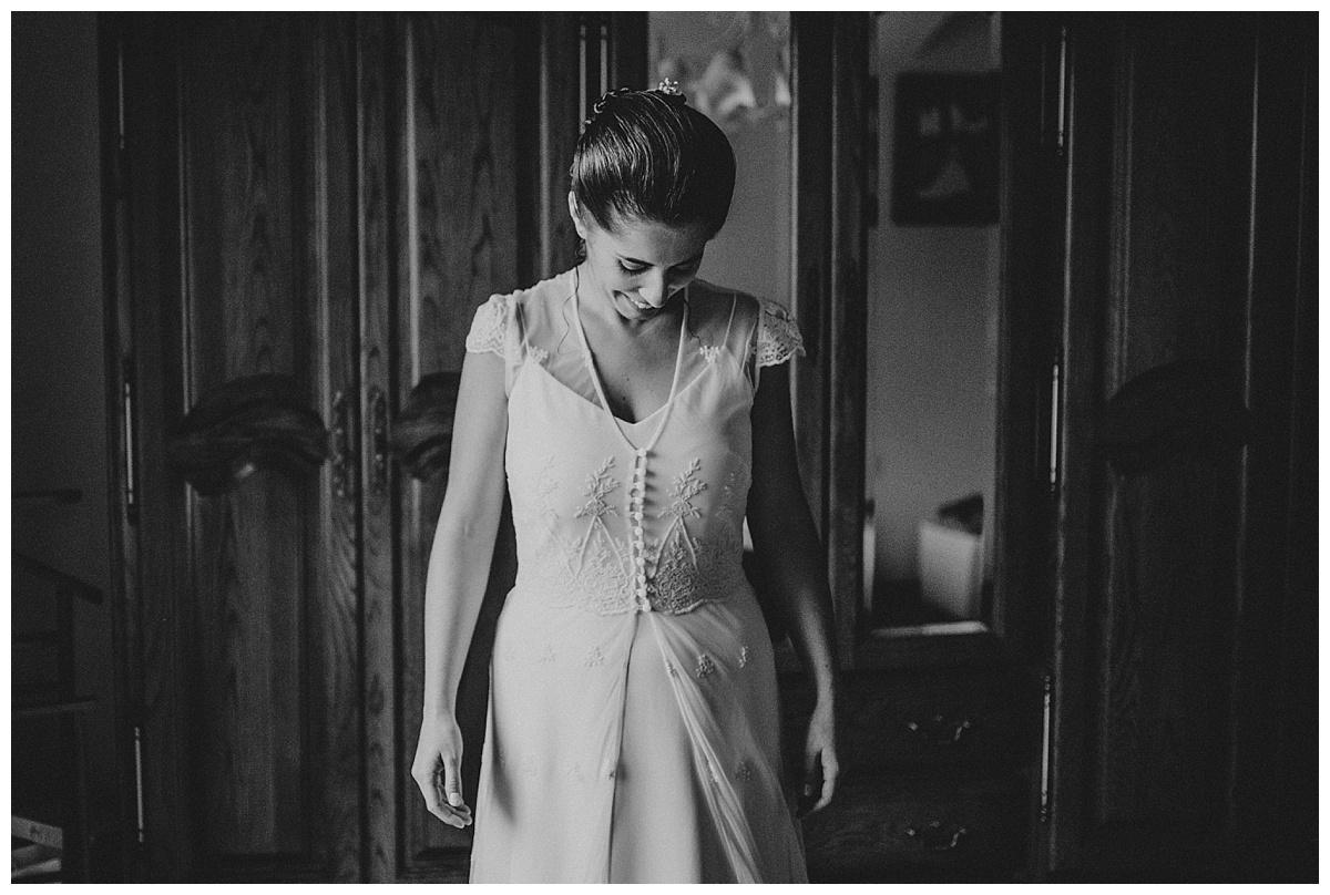Inhar-Mutiozabal-Wedding-Photographer-Fotografo-Bodas-Zarautz_0006.jpg