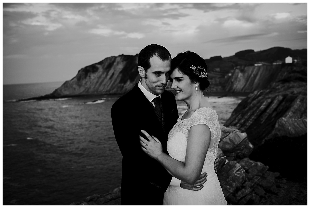 Inhar-Mutiozabal-Wedding-Photographer-Fotografo-Bodas-Zarautz_0016.jpg