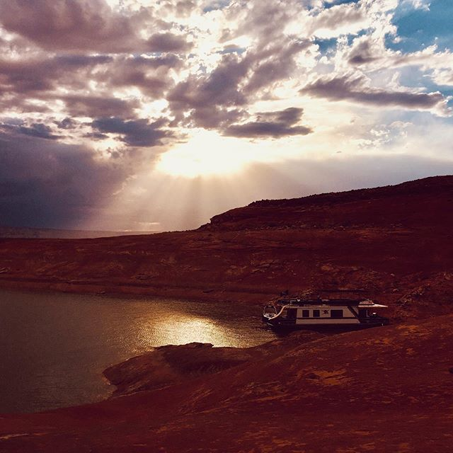 "Lake Powell is just pure beauty and fun. Plus I like this little nugget: ""decades worth of research has that found time in nature—sans cell phone—can enhance higher-order thinking, restore attention, and boosts creativity,"" according to Outside Magazine.  That is even better.  #LakePowell.  #nature #amwriting #amwritingfiction #authorsofinstagram"