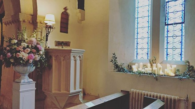 Many Congratulations to our lovely couple Millie & Andrew who married in Barnsley church this afternoon .. we have such a soft spot for this church.. it is just absolutely beautiful 💕💕💕 #vynestringquartet #barnsleyhouse #cotswoldwedding