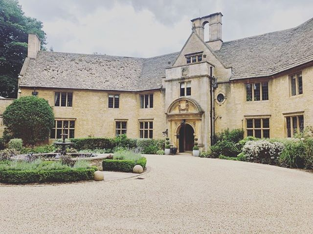 We had the pleasure of playing for James & Dean on their wedding day at the wonderfully beautiful @foxhillmanor 🌿💕 such a beautiful venue. Many Congratulations from us all 💕 #vynestringquartet #cotswoldwedding #foxhillmanorwedding  #foxhillmanor