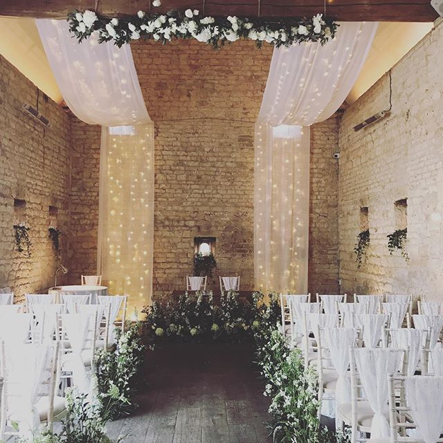 Many Congratulations to Fran & Alex who we played for at the beautiful @lapstonebarn yesterday.. 💕🌿 Such a beautiful setting and such a lovely couple and family 😊 #vynestringquartet #lapstonebarnwedding #lapstonebarn #cotswoldwedding