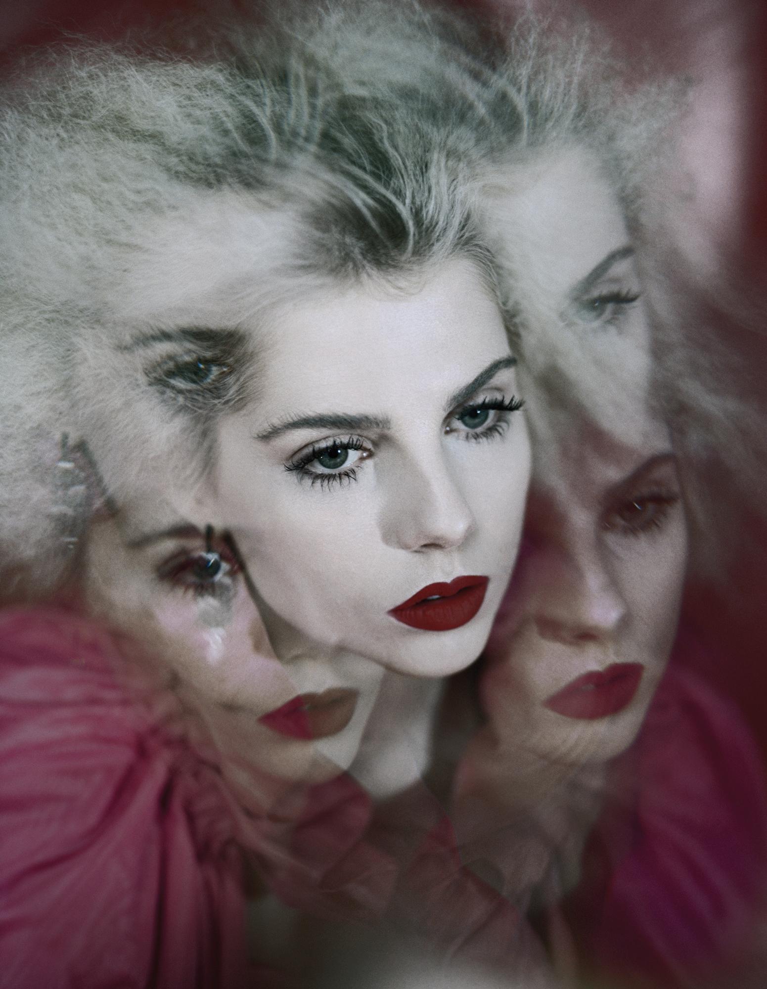 Lucy Boynton x Schon