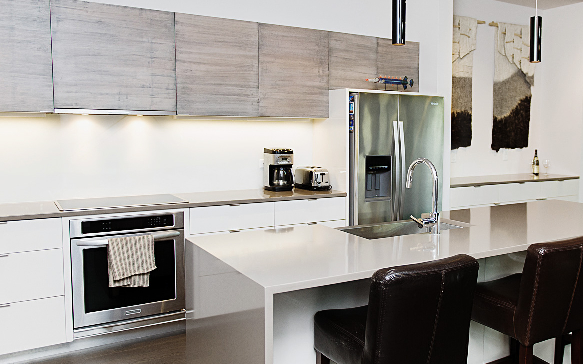 | High Gloss Finish | Glass Back Splash | Hand Crafted Texture |