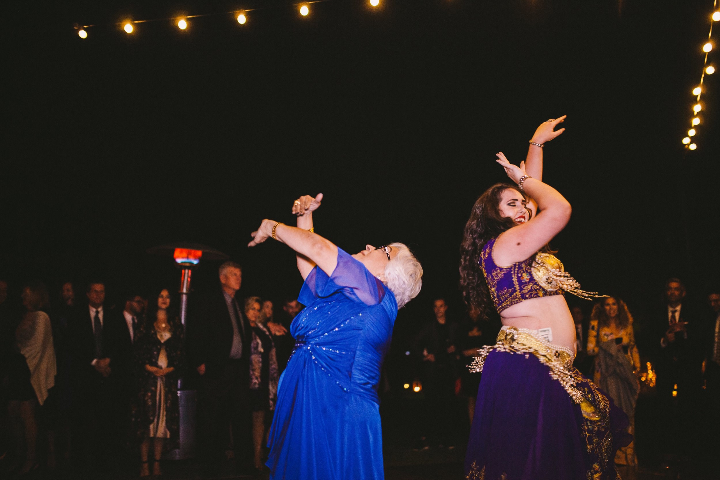 'The Dancing Belly' - Persian Wedding Belly Dancer