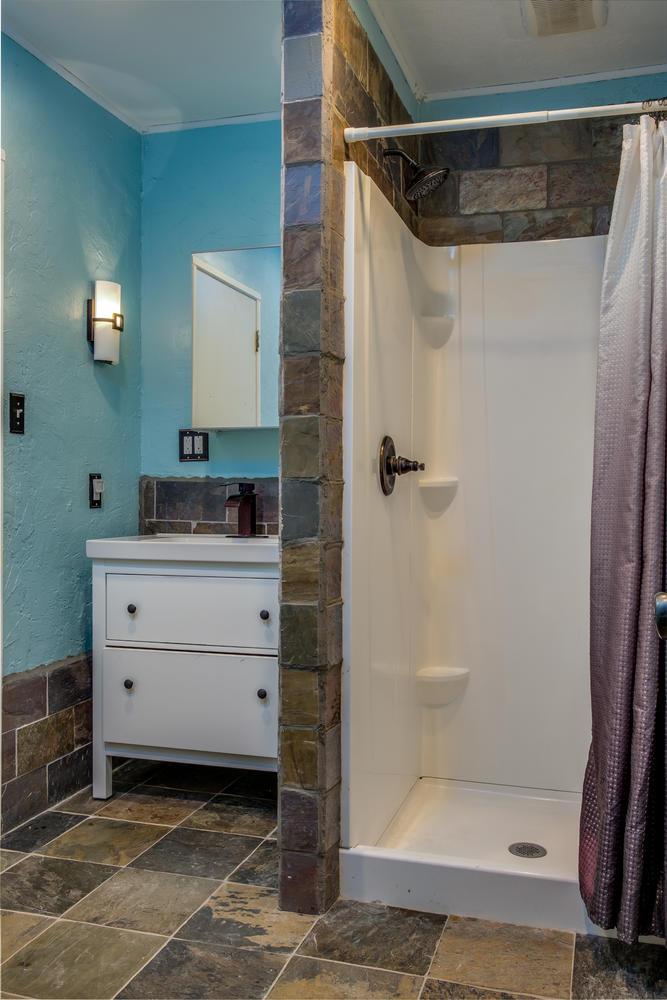18808 Yukon Ave Torrance CA-large-010-2-Bathroom-667x1000-72dpi.jpg