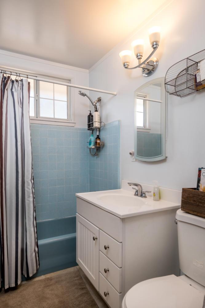 18808 Yukon Ave Torrance CA-large-011-1-Bathroom-667x1000-72dpi.jpg