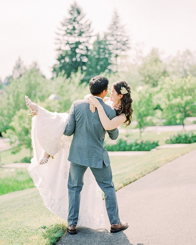Just delivered this beautiful couple's gallery from their spring wedding on Mercer Island and I'm over here daydreaming about these joyous, love-filled sunny days. ⠀⠀⠀⠀⠀⠀⠀⠀⠀ Film scanned by @richardphotolab on @fujifilm_profilm . . . #ishootfujifilm #seattlebride #washingtonweddingphotographer #washingtonfilmphotographer #portraitcollective #filmisnotdead #filmphotography #naturallightphotography #weddingphotographer #fineartfilmphotographer #seattleweddingphotographer #fineartfilm #internationalweddingphotographer #luxuryweddingphotographer #pnwphotographer #nwphotographer #pursuitofportaits #ishootfilm #engaged #seattlebridemagazine #woodinvilleweddingphotographer #snohomishweddingphotographer #oregonweddingphotographer #sarahharrisphoto #sarahharrisbride #utahweddingphotographer #californiaweddingphotographer