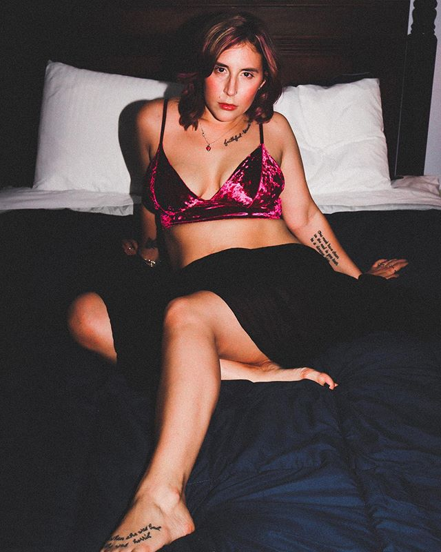 Throwback to this fun haunted hotel boudoir shoot since it's almost Halloween (also shoutout to my EBF boobs. I miss you. Please come back). So weird to think that this little anniversary trip was almost an entire year ago and our SEVENTH marriage anniversary is in just two months. 😳 Eight whole years together. How the hell did that happen so fast?! Honestly you should all be impressed because my longest relationship before Raleigh was maybe a year. 🤣 • P.S. Does anyone else have to do a whole lot of math in their head when they have to figure out what anniversary they're on? And then text their spouse just to check? No? Just me? 🤣🙈 #verybadatmath #andrememberingdates #thankgodouranniversaryisonamajorholiday • • • #halloween #october #boudoir #sexy #hotmom #momswithtattoos #girlswithtattoos #lingerie #hotel #hotelroom #hotelshoot #selflove #loveyourself #bodypositive #mombod #bodypositivity #vacation #cassadega #cassadegahotel #hauntedhotel #anniversary #couplegoals #instagramhusband #devonejonesphotography #devonejonesphoto_siren