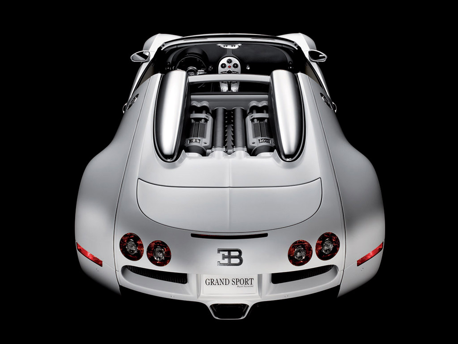 bugatti-164-veyron-grand-sport-back-view.jpg