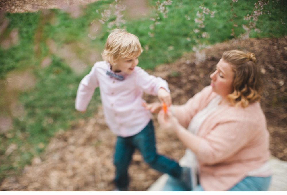 spring_Family_Lifestyle_Portrait_Session_Seattle_Arboretum_cherry_blossoms 29.jpg