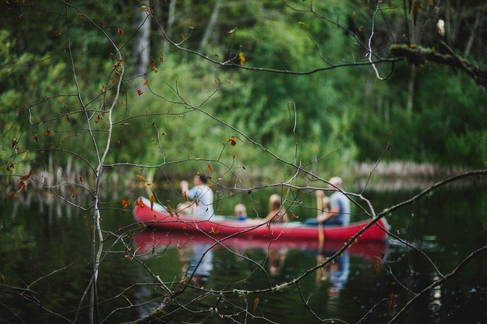 family_lifestyle_photographer_campfire_and_canoe 17.jpg