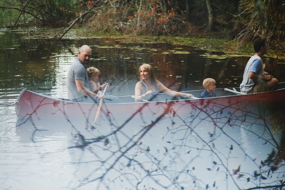 family_lifestyle_photographer_campfire_and_canoe 20.jpg