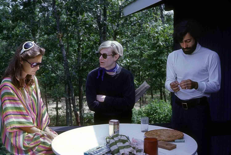 Simone Swanson, Andy Warhol and Rolando Peña discuss art