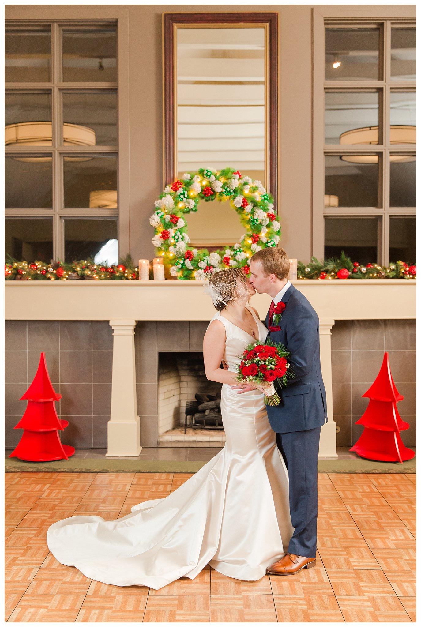 christmas-wedding-ohio_0052.jpg
