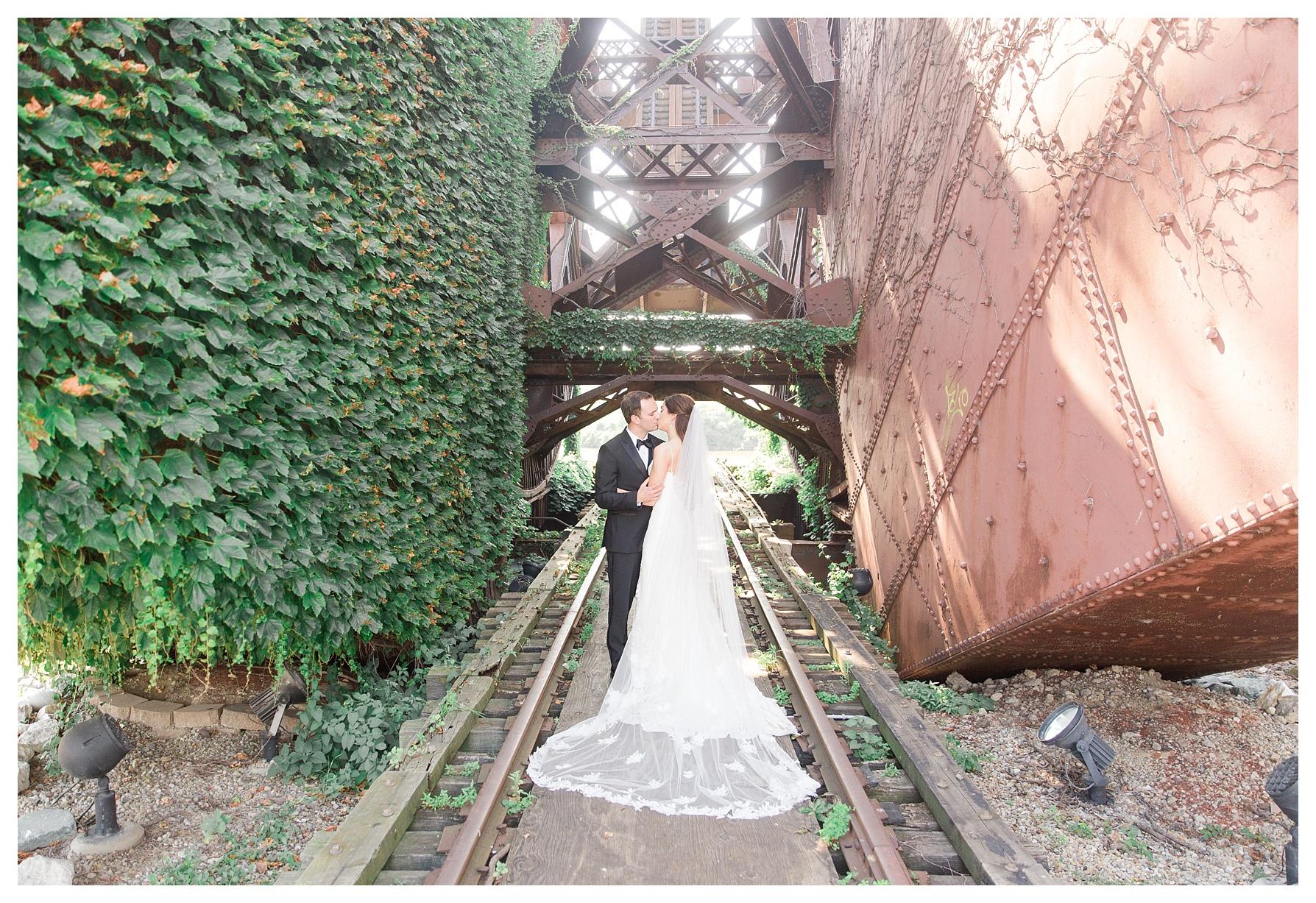 ritz-carlton-cleveland-wedding_0102.jpg
