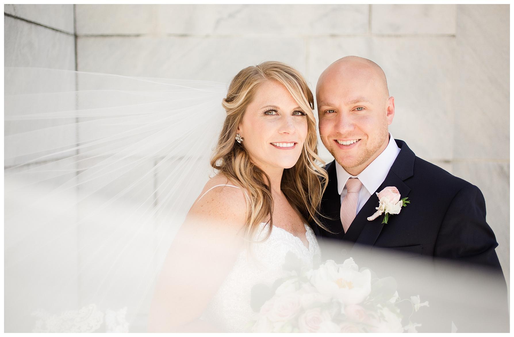 columbus-wedding-portratis-bride-groom_0026.jpg