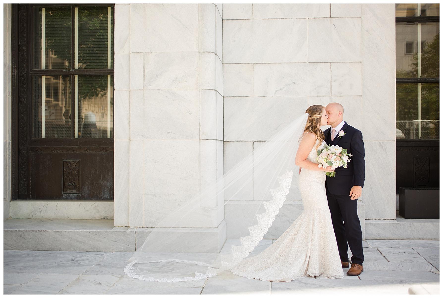 columbus-wedding-portratis-bride-groom_0027.jpg