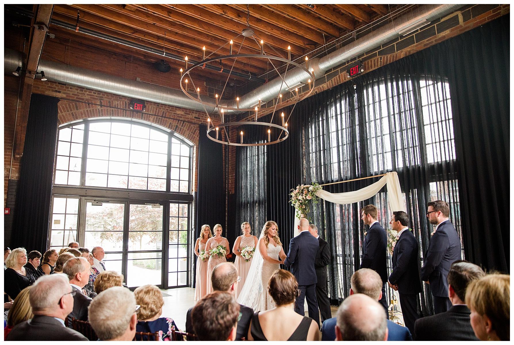 high-line-car-house-columbus-wedding_0023.jpg