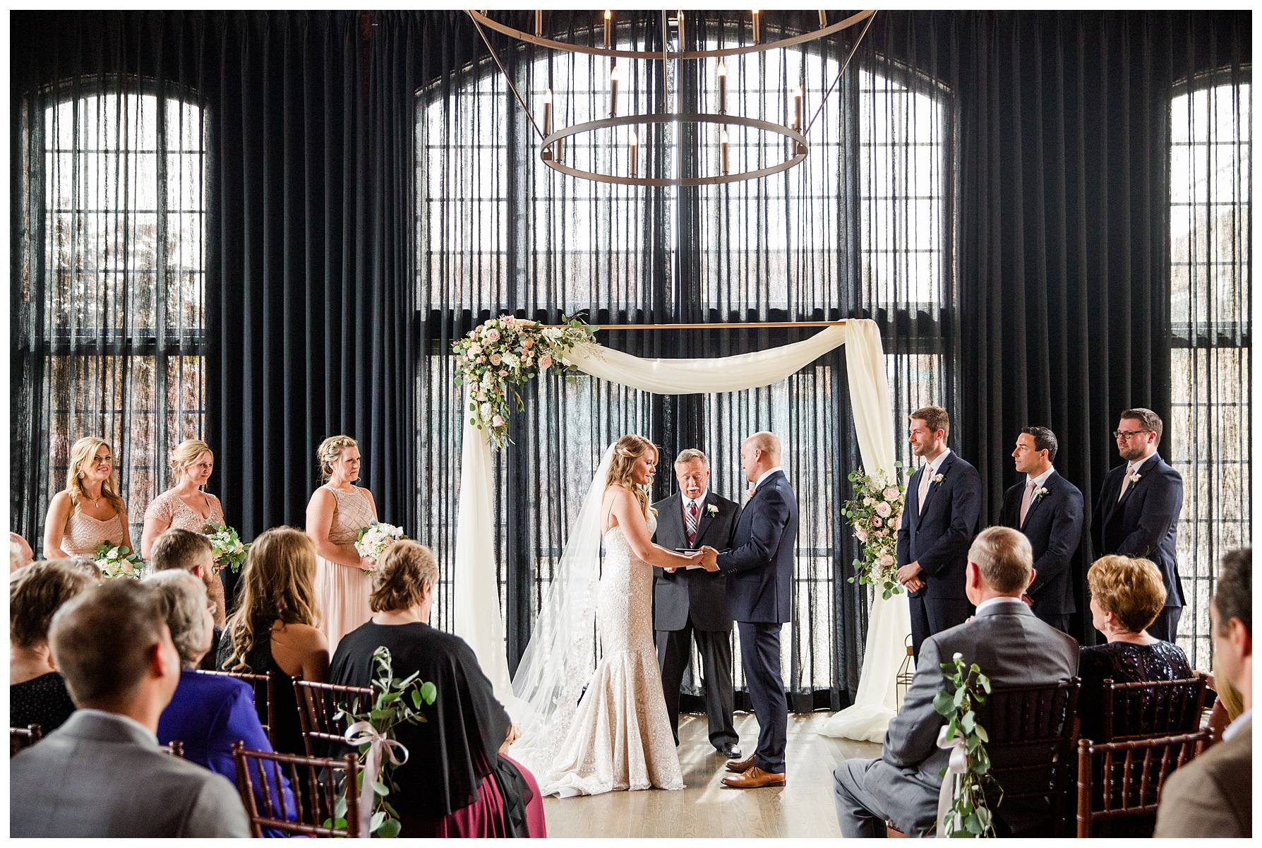 high-line-car-house-columbus-wedding_0026.jpg