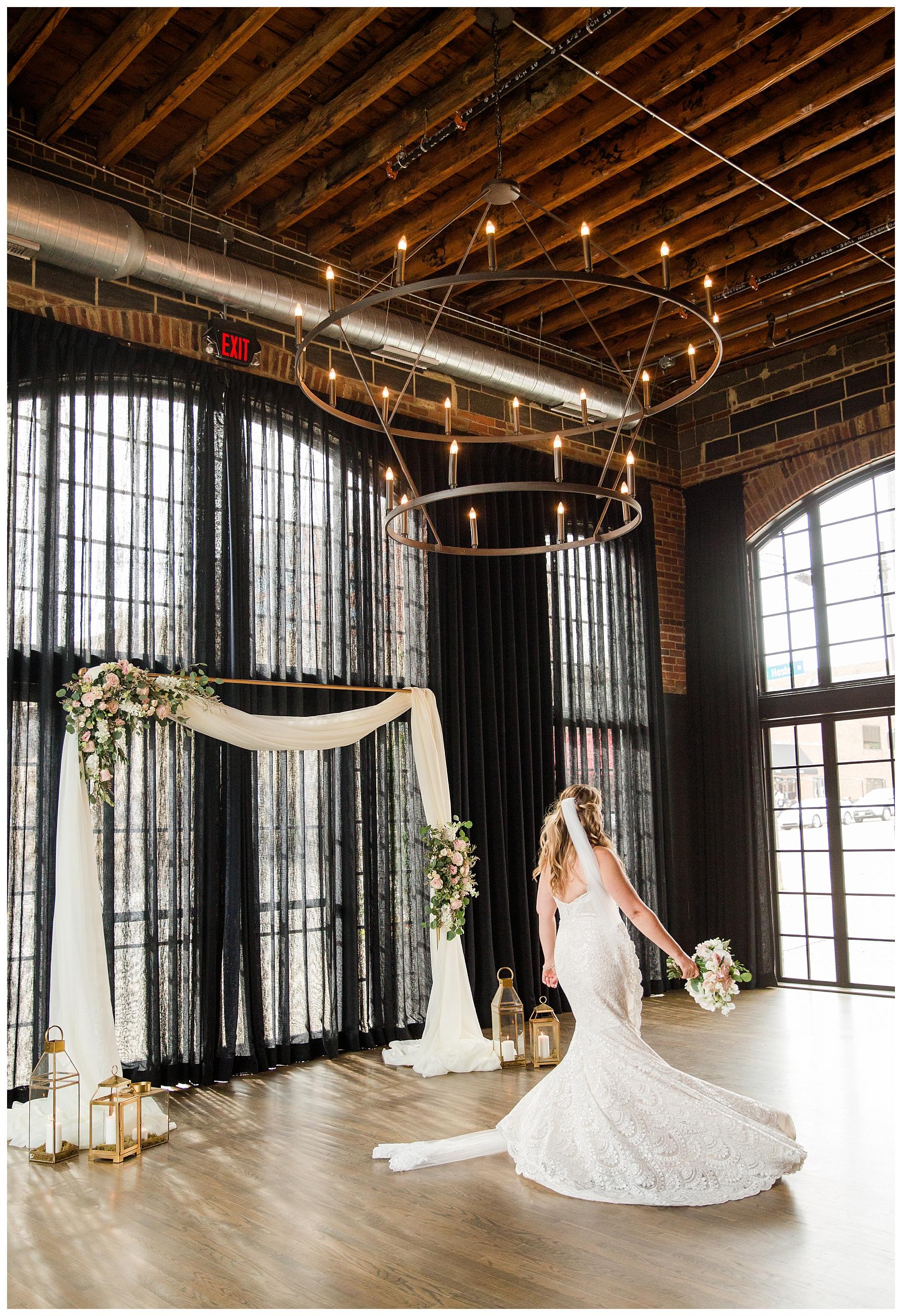 high-line-car-house-columbus-wedding_0034.jpg