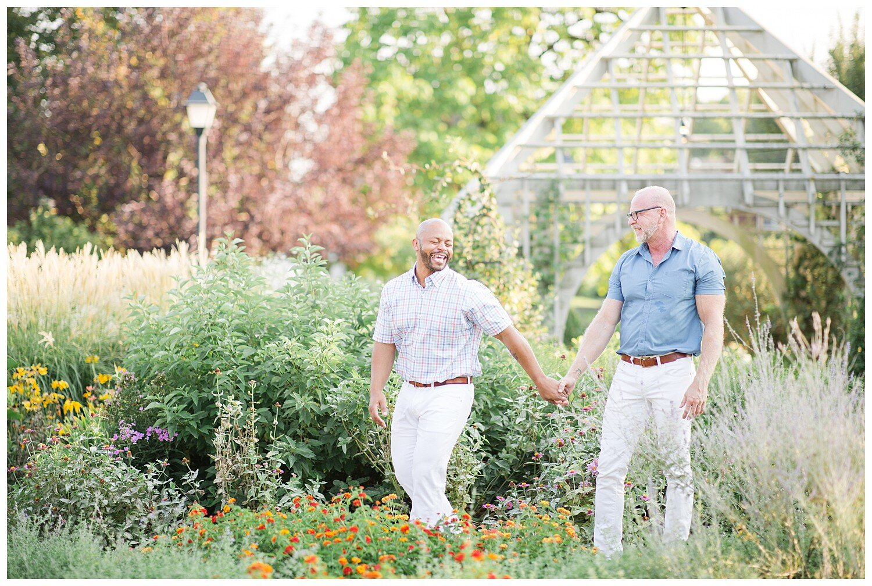 franklin-park-conservatory-engagement-photos_0022.jpg