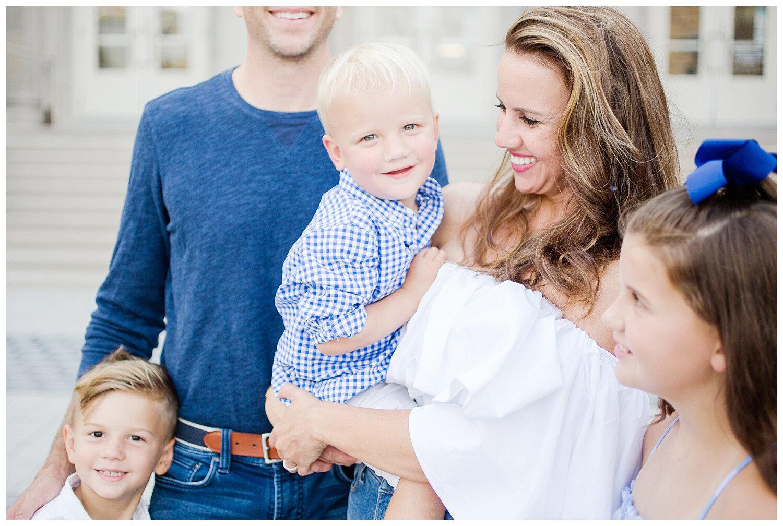 family-session-photos-downtown-columbus_0005.jpg