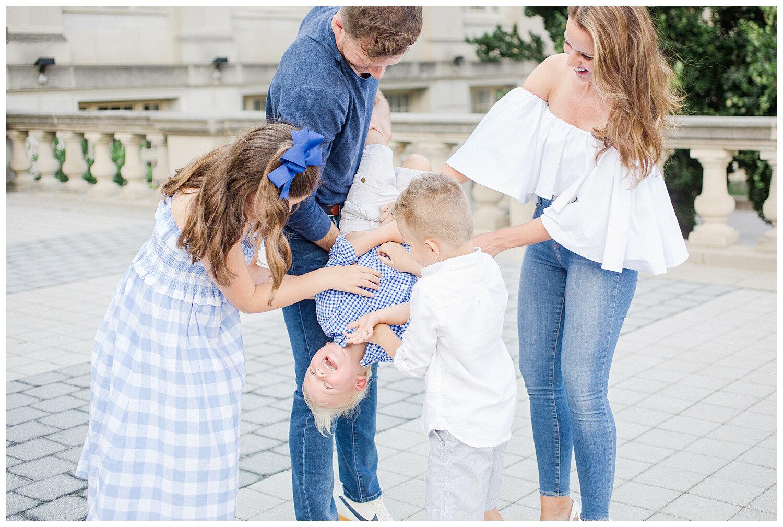 family-session-photos-downtown-columbus_0006.jpg