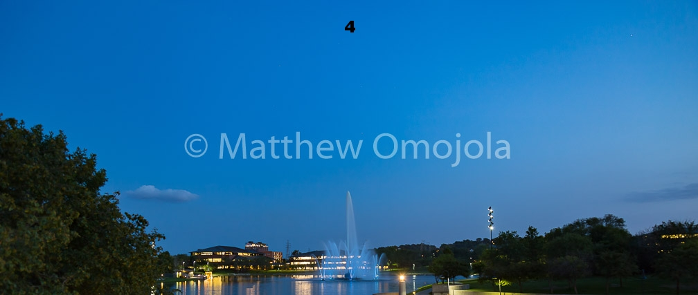IMG_6816_Fountain_Heartland_Park_of_America_at_night_Omaha_NE.jpg