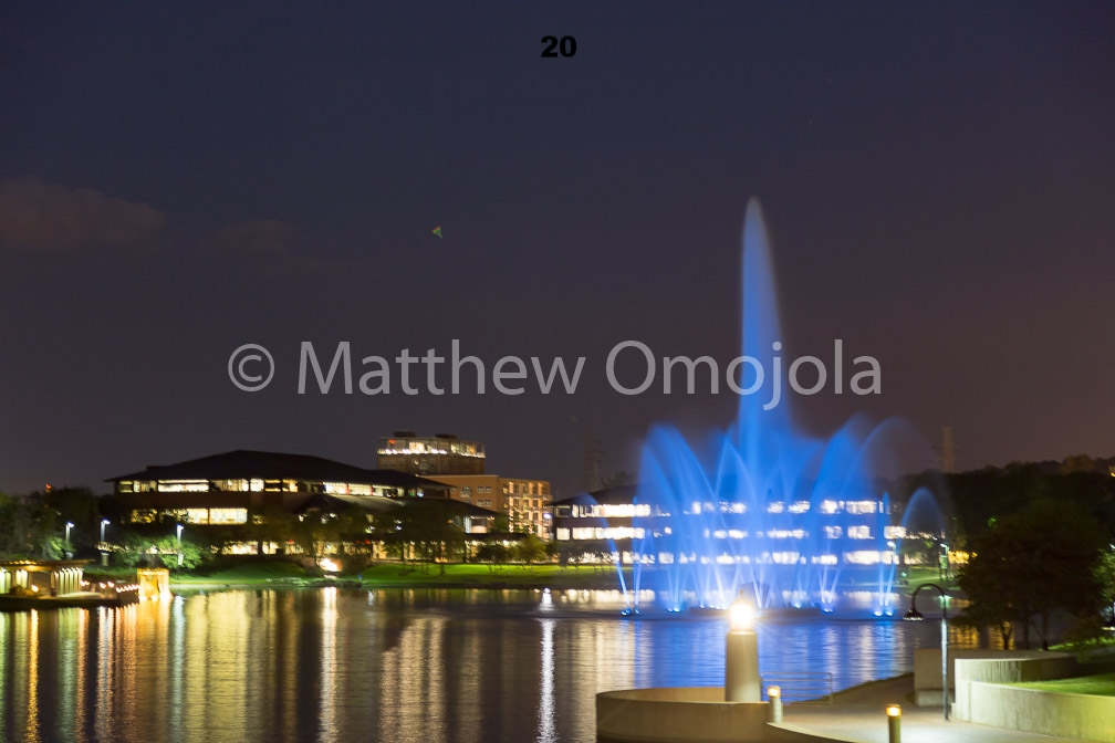 IMG_6866_Fountain_Heartland_Park_of_America_at_night_Omaha_NE.jpg