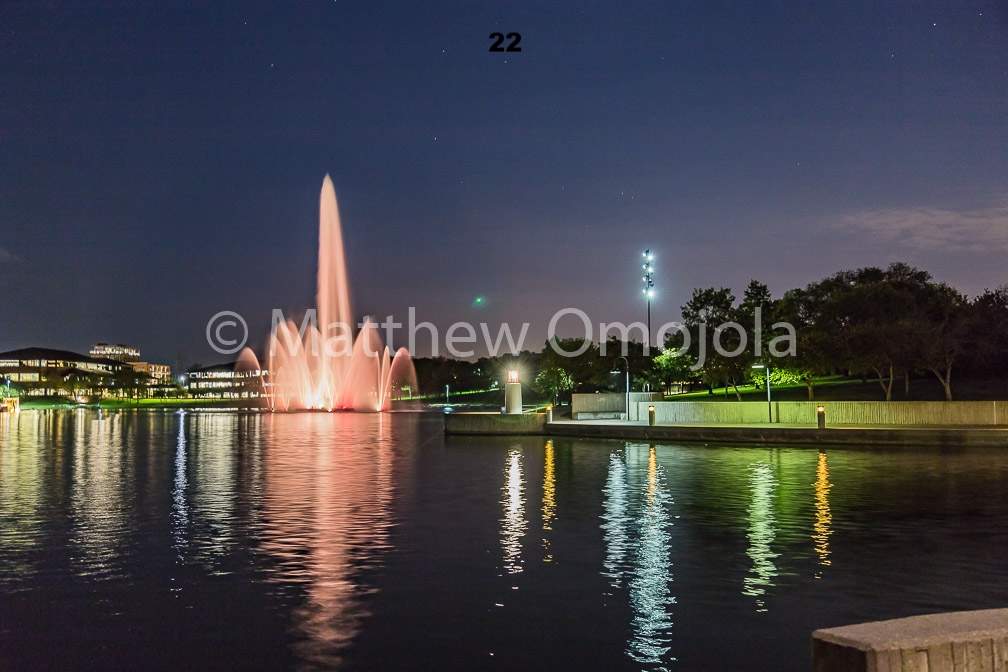 IMG_6870-2_Fountain_Heartland_Park_of_America_at_night_Omaha_NE.jpg