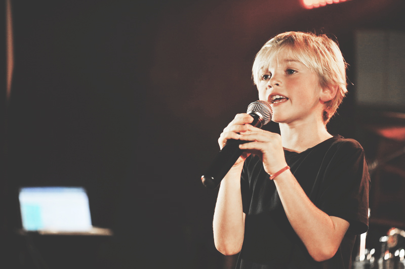 singer_kid.jpg