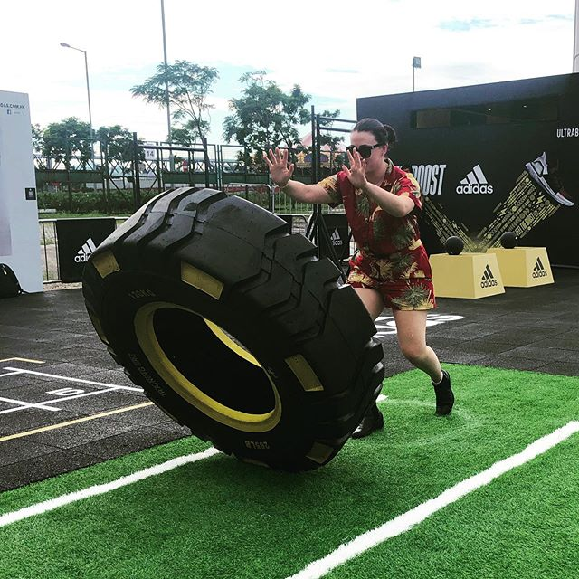 'But what are you going there to do there for a week?' Please note my ever reliable #RMWilliams holding up for the 120kg tire flip and reaction challenges 🙏🏻 #HongKong #ThePeak