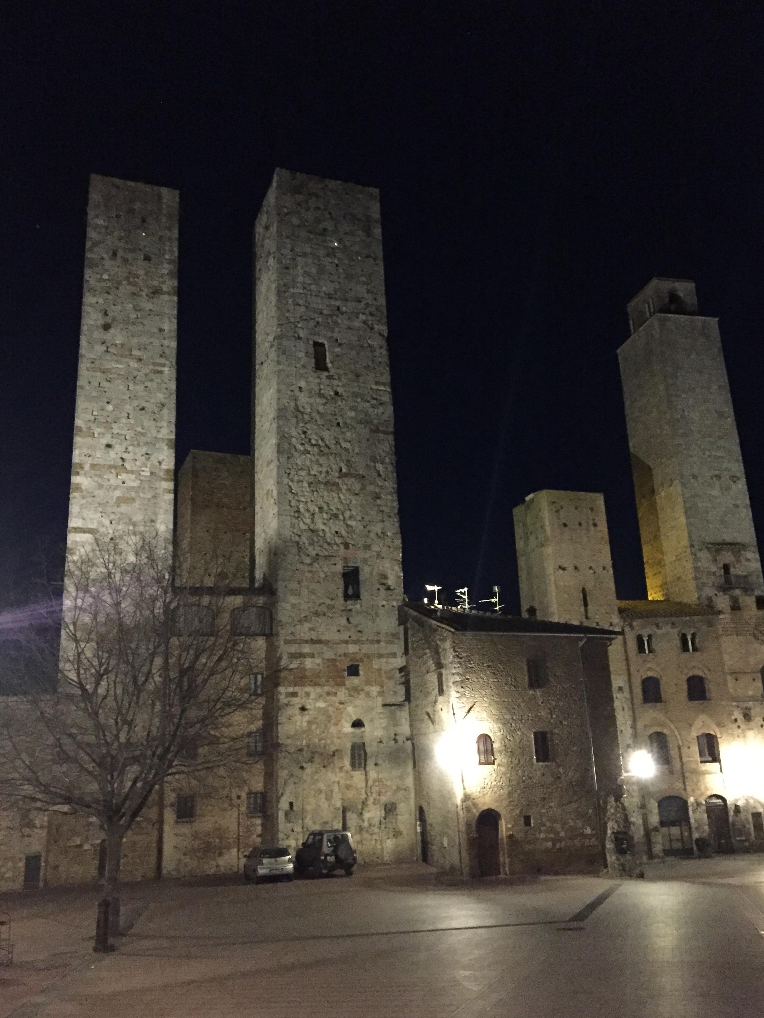 The towers of San Gimignano at night.JPG